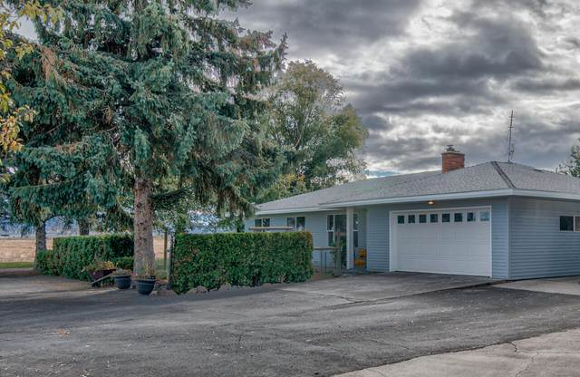 2595 SW Culver Highway, Madras, OR 97741 (MLS #220133950) :: The Ladd Group