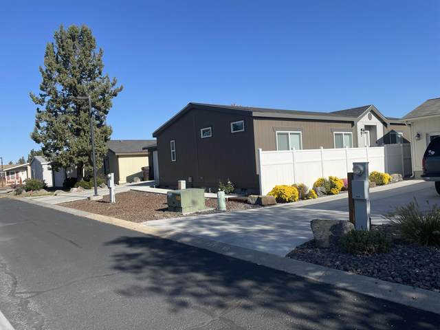 1252 SW Currant Road, Redmond, OR 97756 (MLS #220134044) :: The Ladd Group