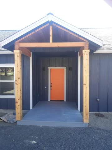 17673 Manning Court, La Pine, OR 97739 (MLS #220134291) :: Vianet Realty
