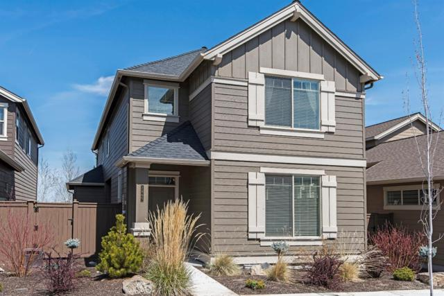 2865 SW Yew Park Lane, Redmond, OR 97756 (MLS #201803881) :: The Ladd Group
