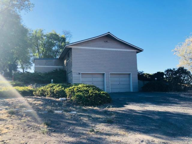 1181 NE Lower Drive, Madras, OR 97741 (MLS #201809142) :: The Ladd Group
