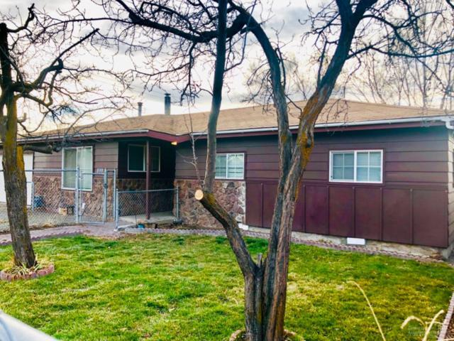 899 NW Locust Street, Prineville, OR 97754 (MLS #201811597) :: The Ladd Group