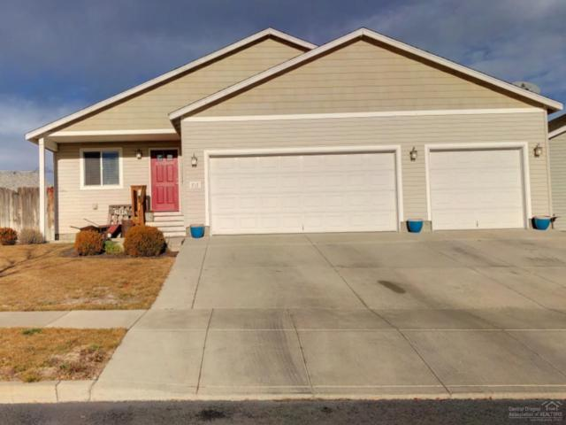 717 NE Robin Place, Prineville, OR 97754 (MLS #201900123) :: The Ladd Group