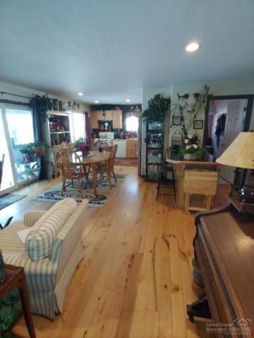 52655 Center Drive, La Pine, OR 97739 (MLS #201900462) :: Berkshire Hathaway HomeServices Northwest Real Estate