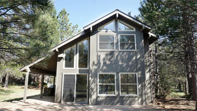 57547 Hoodoo Lane, Sunriver, OR 97707 (MLS #201901103) :: Berkshire Hathaway HomeServices Northwest Real Estate