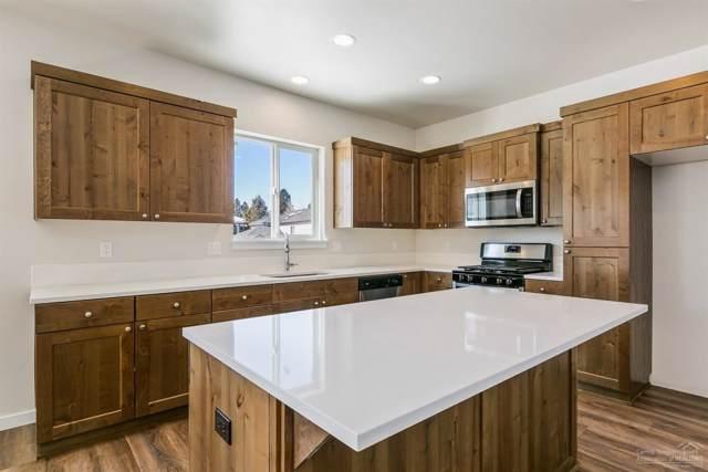 972 NE Paula Drive #9, Bend, OR 97701 (MLS #201901696) :: Central Oregon Home Pros