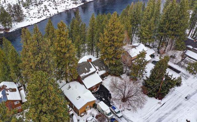 60773 River Bend Drive, Bend, OR 97702 (MLS #202000273) :: The Ladd Group