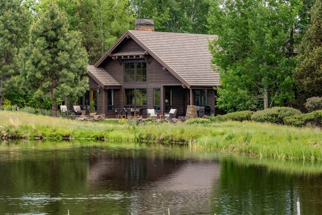 19542 Green Lakes Loop, Bend, OR 97702 (MLS #202001982) :: Fred Real Estate Group of Central Oregon