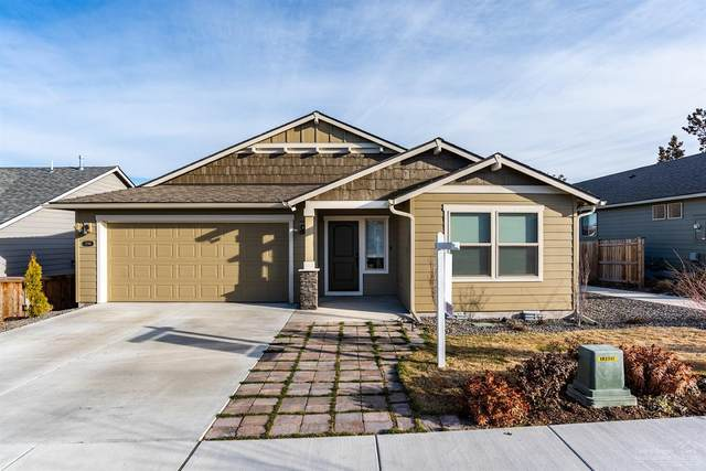 2798 NE Faith Drive, Bend, OR 97701 (MLS #202002034) :: The Ladd Group