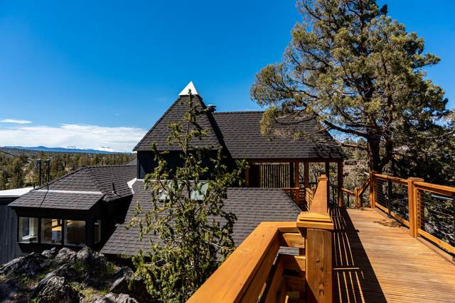 65045 Hopper Road, Bend, OR 97703 (MLS #220101649) :: The Ladd Group