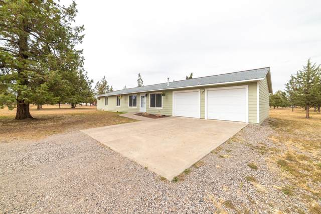 5858 SW Shad Road, Terrebonne, OR 97760 (MLS #220102465) :: Fred Real Estate Group of Central Oregon