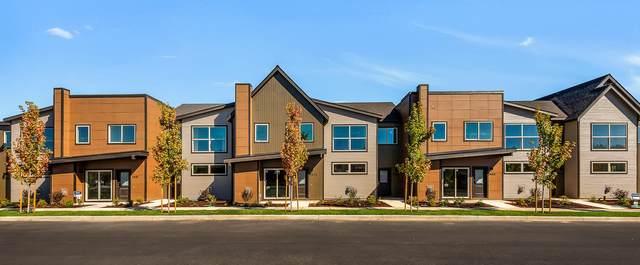 2869 NW Elm Avenue, Redmond, OR 97756 (MLS #220102820) :: Coldwell Banker Bain