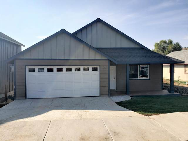 560 SW Lincoln Street, Madras, OR 97741 (MLS #220103044) :: Coldwell Banker Sun Country Realty, Inc.