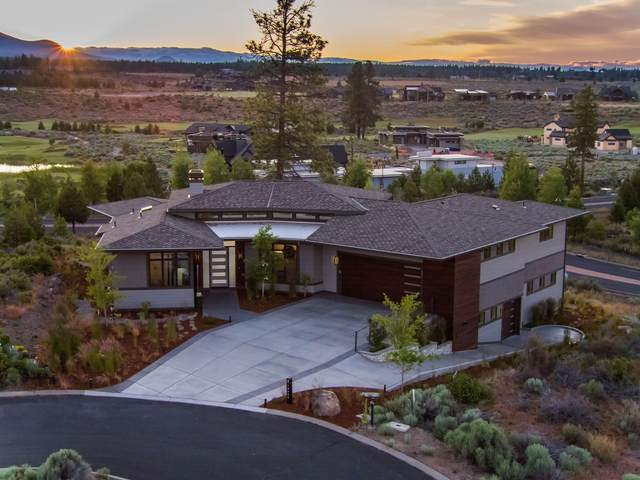 19250 Christopher Court, Bend, OR 97702 (MLS #220103955) :: Berkshire Hathaway HomeServices Northwest Real Estate