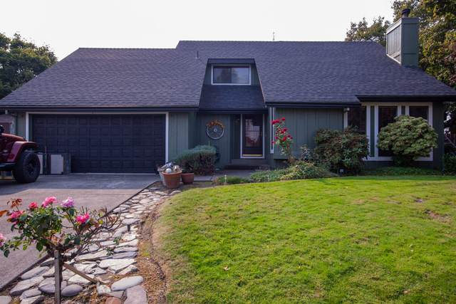 2453 Huntington Lane, Medford, OR 97504 (MLS #220110412) :: The Ladd Group