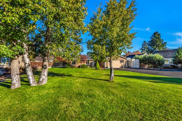 160 N Maple Street, Sisters, OR 97759 (MLS #220111065) :: Central Oregon Home Pros