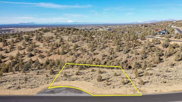 Lot 698 SW Pinnacle Court, Powell Butte, OR 97753 (MLS #220111675) :: The Riley Group