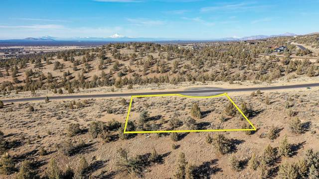 Lot 712 SW Pinnacle Court, Powell Butte, OR 97753 (MLS #220111683) :: The Riley Group