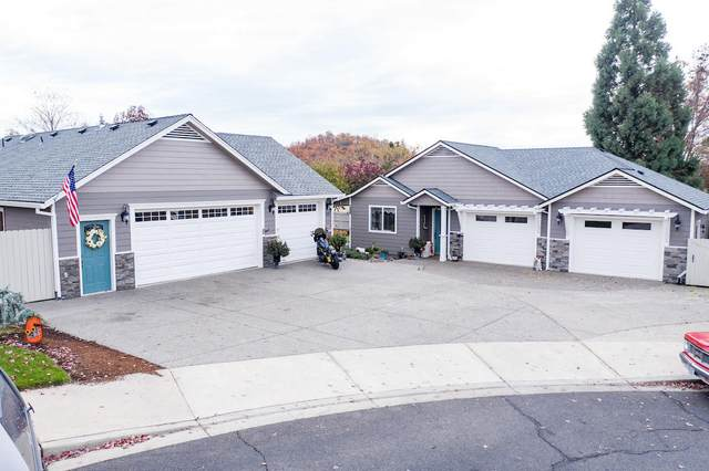 109 Greenmoor Drive, Eagle Point, OR 97524 (MLS #220112715) :: The Riley Group