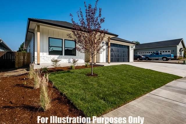 1003 Arrowhead Trail, Eagle Point, OR 97524 (MLS #220114549) :: Rutledge Property Group