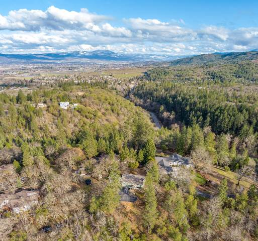 310 Mary Ann Drive, Jacksonville, OR 97530 (MLS #220117422) :: Rutledge Property Group
