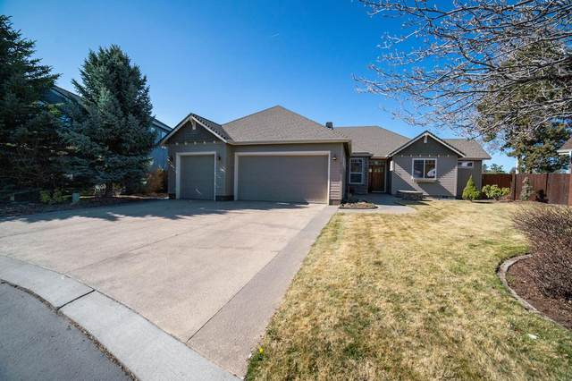 61189 Ridgewater Loop, Bend, OR 97702 (MLS #220120071) :: Bend Relo at Fred Real Estate Group