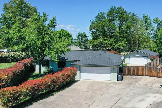 119 Shadow Wood Court, Central Point, OR 97502 (MLS #220121793) :: Bend Relo at Fred Real Estate Group