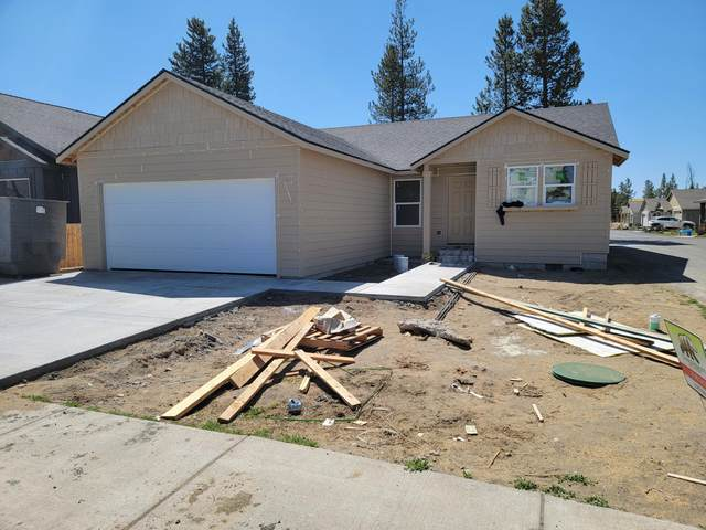 16415 Riley Drive, La Pine, OR 97739 (MLS #220121895) :: Fred Real Estate Group of Central Oregon