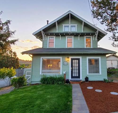 315 Grant Street, Klamath Falls, OR 97601 (MLS #220122793) :: Chris Scott, Central Oregon Valley Brokers