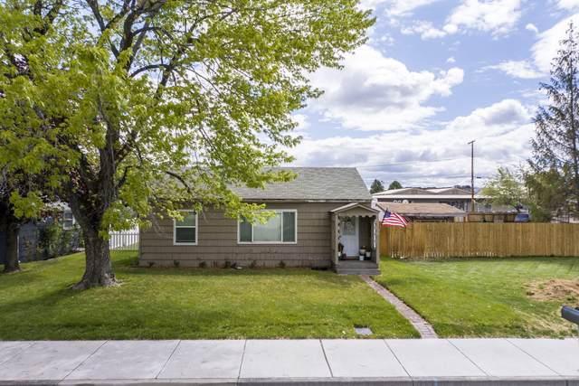 1118 SW 15th Street, Redmond, OR 97756 (MLS #220122999) :: Schaake Capital Group