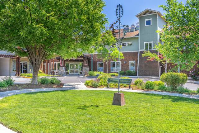 953 Golden Aspen Place, Ashland, OR 97520 (MLS #220124355) :: The Riley Group