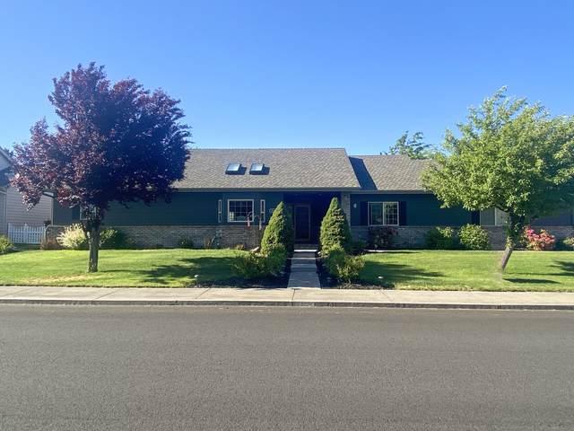 2265 NE Scarlet Court, Bend, OR 97701 (MLS #220124379) :: Schaake Capital Group