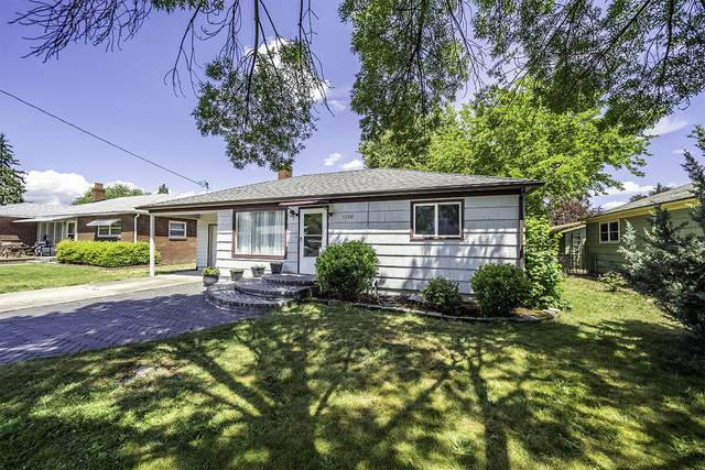 1132 Mt Pitt Street, Medford, OR 97501 (MLS #220125120) :: Coldwell Banker Sun Country Realty, Inc.