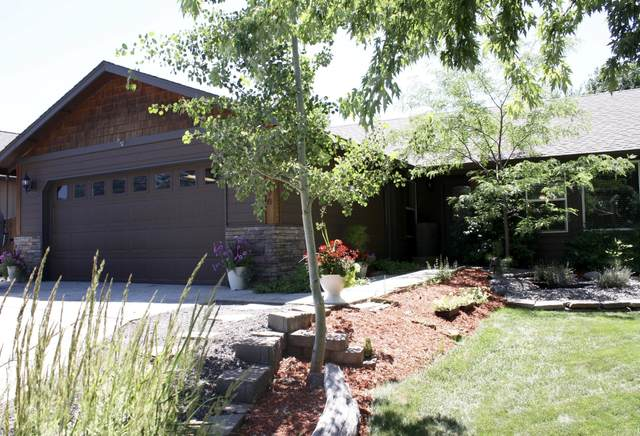 63290 NW Lavacrest Street, Bend, OR 97703 (MLS #220125925) :: The Bifano Home Team