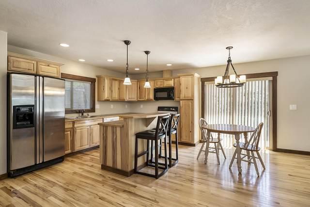 1528 NE 8th Street, Bend, OR 97701 (MLS #220126248) :: Bend Homes Now
