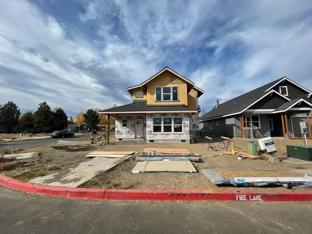 523 NW Rimrock Court, Redmond, OR 97756 (MLS #220126763) :: Vianet Realty
