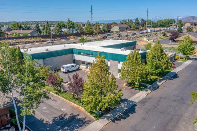 2516 SW Glacier Place, Redmond, OR 97756 (MLS #220127032) :: Fred Real Estate Group of Central Oregon