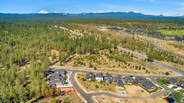 61144 SW Beverly Way, Bend, OR 97702 (MLS #220127866) :: Bend Homes Now