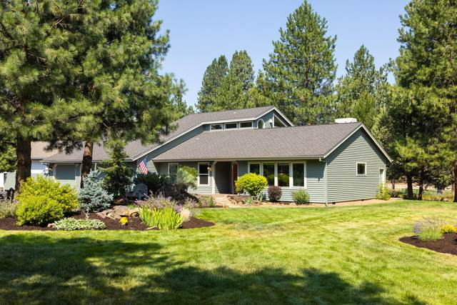 60629 Ridge Heights, Bend, OR 97702 (MLS #220128493) :: The Ladd Group