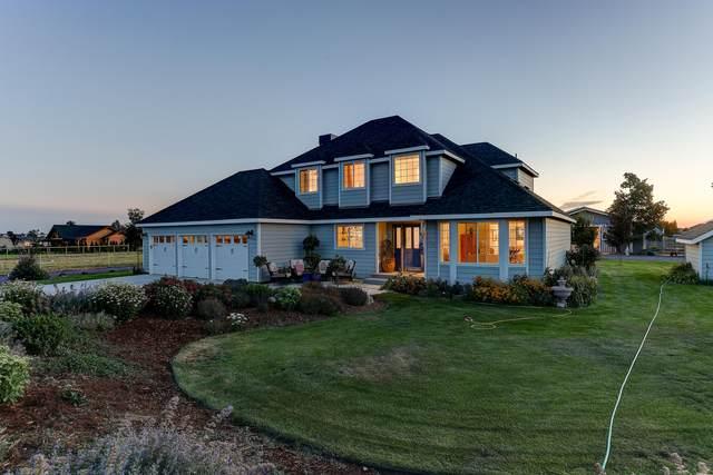 6945 NE 11th Street, Redmond, OR 97756 (MLS #220129201) :: Chris Scott, Central Oregon Valley Brokers