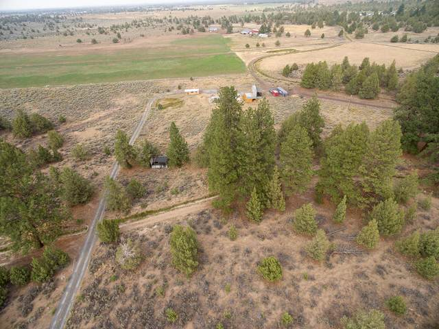60220 Stirling Drive, Bend, OR 97702 (MLS #220130094) :: Schaake Capital Group