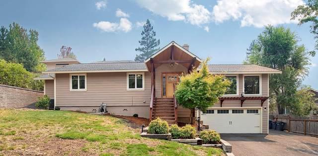 1594 Angelcrest Drive, Medford, OR 97504 (MLS #220130159) :: Stellar Realty Northwest