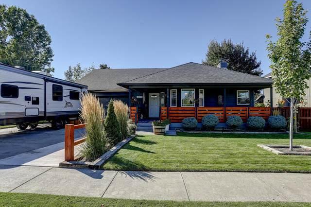 61365 Elkhorn Street, Bend, OR 97702 (MLS #220131979) :: Vianet Realty
