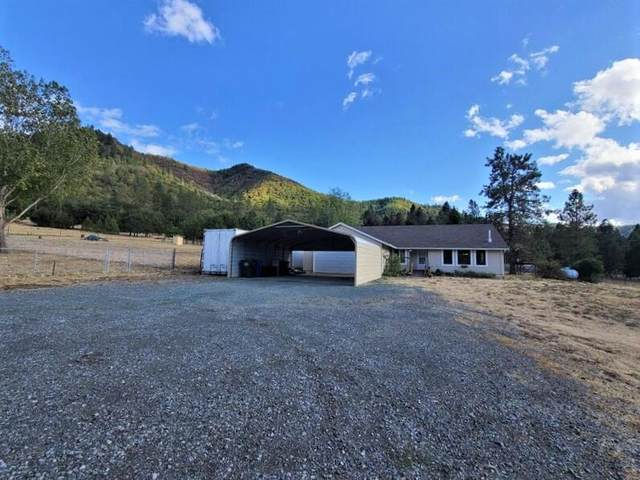 2666 Wards Creek Road, Rogue River, OR 97537 (MLS #220132027) :: Arends Realty Group