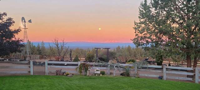 11349 SW Reif Road, Powell Butte, OR 97753 (MLS #220132832) :: Chris Scott, Central Oregon Valley Brokers