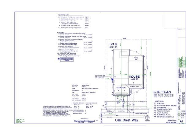 249 Oak Crest Way, Medford, OR 97501 (MLS #220133372) :: Vianet Realty