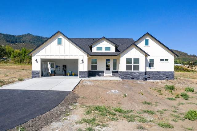 5607 Colver Road, Talent, OR 97540 (MLS #103008041) :: Premiere Property Group, LLC