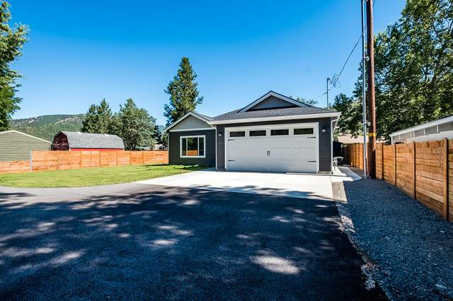 1805 2nd Avenue, Gold Hill, OR 97525 (MLS #103012371) :: Rutledge Property Group