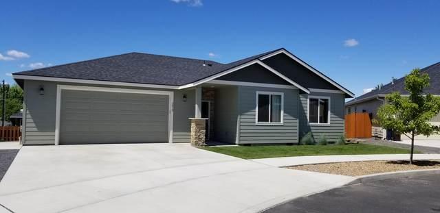2413 NW 9th Court, Redmond, OR 97756 (MLS #201910705) :: Berkshire Hathaway HomeServices Northwest Real Estate