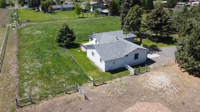 3910 NW La Mesa Lane, Redmond, OR 97756 (MLS #202001459) :: CENTURY 21 Lifestyles Realty
